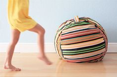 Rollie Pollie Bean Bag Chair - So You Think You're Crafty Diy Bean Bag, Bean Bags, Bean Bag Pattern, Sewing Crafts, Diy Crafts, Sewing Ideas, Sewing Projects, Garden Crafts, Sewing Tips