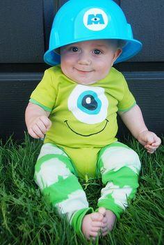 What a super cute #DIY Monsters Inc baby costume! #disfraz #costume #bebe