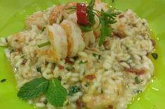 RISOTO DE CAMARÃO COM PESTO DE HORTELÃ: Chef senegalês ensina o preparo de risoto de camarões com pesto de hortelã.