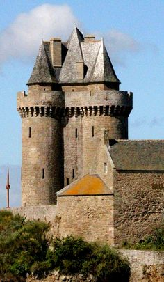 Solidor Tower, 35400 St-Malo, Brittany, France - www.castlesandmanorhouses.com