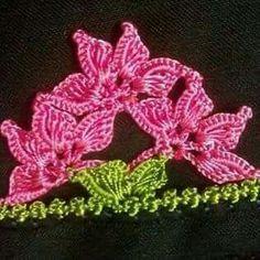 Crochet Flower Patterns, Crochet Flowers, Crochet Earrings, Lace, Model, Jewelry, Crochet Slippers, Throw Pillows, Tricot