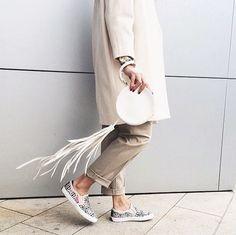#artbringsustogether #art #moa #sneakers #italy #people #fashion
