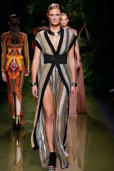 Balmain Spring 2017 Ready-to-Wear Fashion Show - Constance Jablonski (Viva)