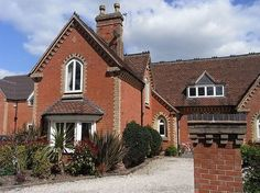 To celebrate the launch of the new School Checker we had a look at the top 10 school conversions for sale on Rightmove. Dream Properties, The New School, Schools, Cabin, Mansions, House Styles, Beautiful, Home Decor, Decoration Home