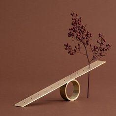 Natura Morta Straight Support in Brass Sara Ricciardi - Artemest Decoration, Art Decor, Luminaire Design, Arte Floral, Sculpture, Luxury Home Decor, Ikebana, Flower Vases, Art Direction