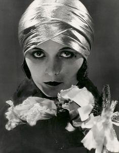 Actress Paula Negri, a photo by Edward Steichen, 1925. Gelatin silver photo | Condé Nast Publications Archive ©