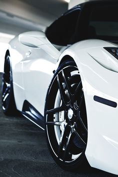 Ferrari 458 Italia - Black and white #CarFlash