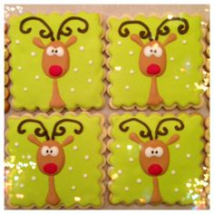 Inspired by Cookie Bliss! On a Graham cracker Christmas Cookies 2016, Iced Cookies, Cute Cookies, Christmas Sweets, Holiday Cookies, Christmas Candy, Cupcake Cookies, Christmas Baking, Reindeer Cookies