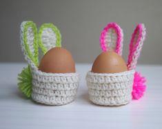 New Pictures Crochet basket kids Ideas Crochet pattern Easter Bunny basket egg cozy egg von byaccessorise Bunny Crochet, Easter Crochet Patterns, Crochet Motifs, Crochet Ideas, Diy Photo, Easter Bunny Eggs, Unique Presents, Photo Tutorial, Easter Baskets