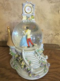 Disney Cinderella snow globe & clock