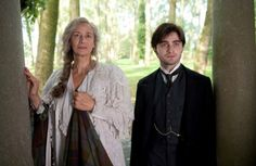 Janet McTeer and Daniel Radcliffe in The Woman in Black Daniel Radcliffe, Hogwarts, Janet Mcteer, The Woman In Black, Christopher Plummer, Dramatic Arts, Harry Potter Actors, Black Image, Horror Films