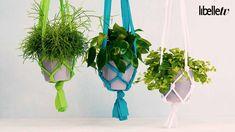 Van groen in huis (en in de tuin) word je vrolijk! Planten zijn leuk om neer te zetten, maar nóg leuker om op te hangen. Hoe je dat doet? Simpel: je knoopt je eigen plantenhanger.