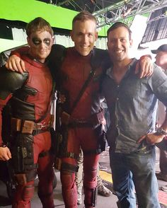 Ryan Reynolds with his stunt double Will Erichson behind the scenes on the set of #Deadpool (2016).