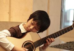 Some years ago when Sungha Jung was a bit smaller <3