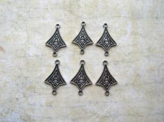 6 Art Deco Connectors  Silver Tone by 2VintageGypsies on Etsy, $2.95