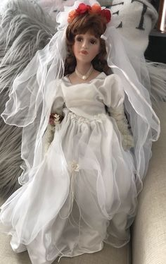 Musical PORCELAIN HERITAGE SIGNATURE COLLECTION Amber BRIDE DOLL FREE SHIPPING  | eBay