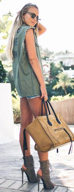 Janni Deler Sleeveless Army Jacket Fall Street Style Inspo