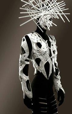 Avant-garde Fashion | Photography | Black and White