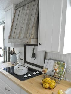 10 Easy DIY Reclaimed Wood Projects for Your Home  - CountryLiving.com