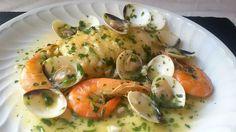 Merluza en salsa verde. Receta de pescado paso a paso para hacer una merluza en salva verde. Puedes prepararlo con otros tipos de pescado.
