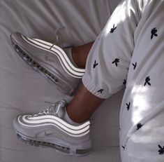 shoes nike air max 97 Nike Air Max 97 in white // Photo: hannah. Nike Air Max, Sneakers Mode, Sneakers Fashion, White Sneakers, Fashion Shoes, Dress Fashion, Fashion Clothes, Fashion Outfits, Souliers Nike