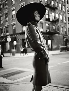 Kendra Spears by Mariano Vivanco for Muse Winter 2011. Great vintage feel to this image.