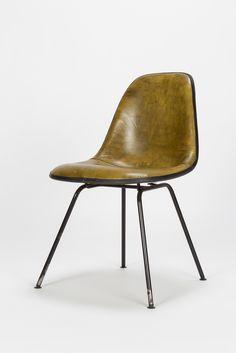 Eames Side Chair Fiberglass Leather H-Base