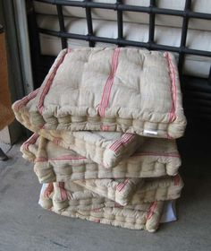 Classic French Linen Cushions. Love these, want big one for french day bed.