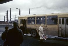Fascinating Photographs Capture Daily Life In Russia Just After The Collapse Of The Soviet Union – Design You Trust