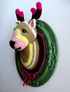 Crocheted deer head by Manafka Mina