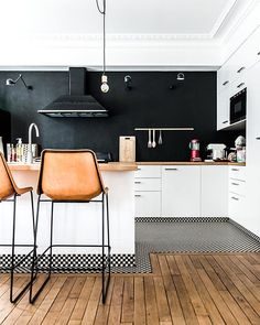 """676 mentions J'aime, 12 commentaires - Decoration & Design (@decofinder) sur Instagram: """"We're totally a fan of this kitchen and especially of its floor !!!! what about you?  Via 100 layer…"""""""