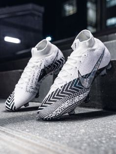 Dream on ☁️ — A design story inspired for the fastest players out there, this sleek ⚫️⚪️ drop is the third to join the Dream Speed collection. Available now at SOCCER.COM. — Check our full First Look video now at the link in our bio. — #soccerdotcom #nikefootball #nike #mercurial @nikefootball #soccer Best Soccer Shoes, Nike Soccer Shoes, Nike Cleats, Soccer Boots, Custom Soccer Cleats, Best Soccer Cleats, Girls Soccer Cleats, Cool Football Boots, Football Shoes