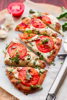 15-Minute Margherita Flatbread Pizza | 18 Homemade Pizzas That Will Always Be There For You