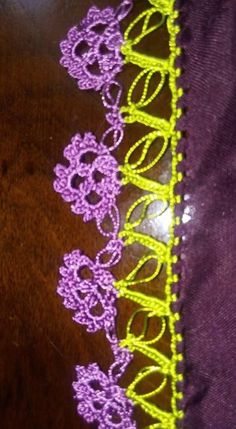 This post was discovered by HU Crazy Quilt Stitches, Embroidered Clothes, Quilt Stitching, Needle Lace, Knitted Shawls, Knitting Socks, Crochet Flowers, Hand Embroidery, Tatting