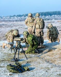 Members of Battalion, The Royal Canadian Regiment RCR) share artillery skills and knowledge with the US Army at Glebokie's training base in Poland on February 2015 as part of Operation REASSURANCE. Royal Canadian Navy, Canadian Army, British Army, Military Police, Military Weapons, Photos Du, Cool Photos, War Photography, February 13