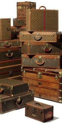 The ultimate Louis Vuitton antique luggage set #Louis #Vuitton…