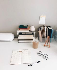 C Programming For Beginners Master the C Language - C Programming - Ideas of C Programming - Inspiration C Programming Ideas of C Programming Inspiration Study Areas, Study Space, Desk Areas, Zones D'étude, Study Corner, Desk Inspiration, Desk Inspo, Study Room Decor, Study Organization