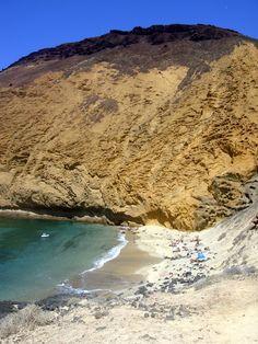 "Un lugar magico: Montaña Amarilla o ""the Yellow Mountain"" en La Graciosa Advent, Spanish Islands, Canario, Canary Islands, Water, Outdoor, Beauty, Yellow Girl Nurseries, Funny"