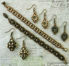 Linda's Crafty Inspirations: A Couple of Bracelet & Earring Sets--Materials Needed for just bracelet: SuperDuo beads (SD) Seed beads 11/0 Seed beads 15/0 3 mm round beads Clasp 6/8lb Fireline