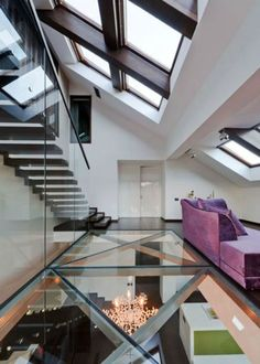 Say goodbye to wooden floors, and say hello to fabulous glass floor design! This modern apartment shows how glass floor design can be infused beautifully into the interiors, making it an excellent feature for ultra-modern homes. Interior Ceiling Design, Luxury Interior Design, Interior Architecture, Luxury Decor, Room Interior, Modern Interior, Installation Architecture, Flooring Installation, Amazing Architecture