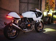 Cafe Racer Bikes, Cafe Racer Motorcycle, Cafe Racers, Ducati Motorcycles, Cars And Motorcycles, Ducati Sport Classic, Ducati Monster, Cycling Art, Custom Bikes