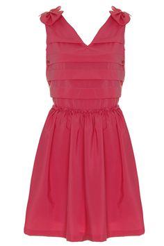 Vestido rosa con lazos