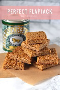 Flapjack Recipe - Baking with Granny. The perfect chewy flapjack, made with Scottish oats and golden syrup.Flapjack Recipe - Baking with Granny. The perfect chewy flapjack, made with Scottish oats and golden syrup. Tray Bake Recipes, Cookie Recipes, Dessert Recipes, Desserts, Scottish Recipes, British Recipes, Scottish Oat Cakes, Biscuit Recipe, Tray Bakes