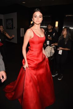 LOS ANGELES, CA - NOVEMBER 20:  Recording Artist Selena Gomez attends the 2016 American Music Awards at Microsoft Theater on November 20, 2016 in Los Angeles, California.  (Photo by Jeff Kravitz/AMA2016/FilmMagic) via @AOL_Lifestyle Read more: http://www.aol.com/article/entertainment/2016/11/20/selena-gomez-amas-2016/21610416/?a_dgi=aolshare_pinterest#fullscreen