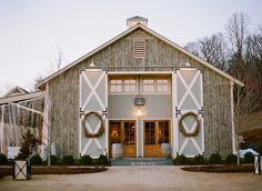 Beautiful Winter wedding in a farm at Pippin Hill by Easton Events. Photography: Elisa Bricker
