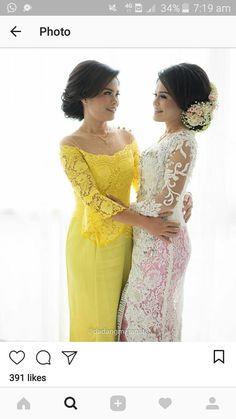 Vera Kebaya, Kebaya Lace, Kebaya Brokat, Batik Kebaya, Dress Brokat, Kebaya Dress, Braids Maid Dresses, Bridal Dresses, Indonesian Kebaya