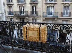 French Straw Bale Garden Grows Crops and Flowers On Urban Balcony | Urban Gardens Interesting article for all gardeners, not just urban dwellers