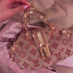 Luxury Purses, Luxury Bags, Aesthetic Bags, Cute Purses, Cute Bags, Vintage Bags, My Bags, Purses And Handbags, Pink Handbags