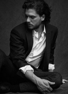Kit Harington ~ some new photos from the shoot by Matthew Brooks ❤️ The way he is both careless and beautiful at the same time. Jon Snow, Kit Harrison, Matthew Brooks, Kit And Emilia, Veronica, Fotografia Tutorial, King In The North, Image Fun, Kit Harington