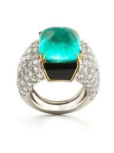 David Webb New York - Sugarloaf cabochon emerald, brilliant-cut diamonds, black enamel, 18K white gold, and platinum